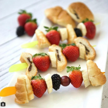 brochette, skewers, brochettes, fruits, chocolatine, croissant, Mini Choco®, chocolat, chocolate, banane, fraise, mures, dessert, dejeuner, breakfast